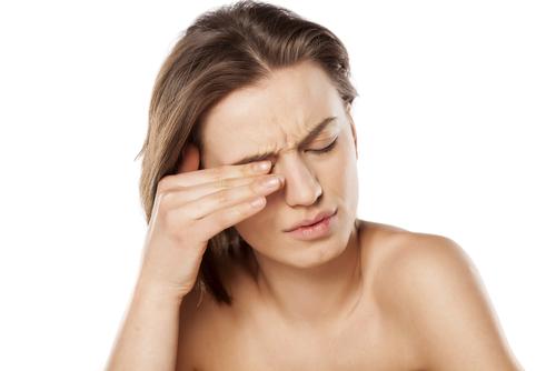 przyczyny swędzenia oczu